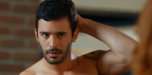 Read more about the article Bariş Arduç Turkish Actor